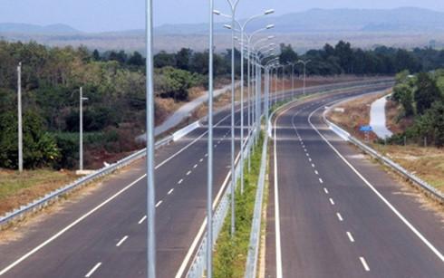 Đề xuất 6.707 tỷ đồng xây đường cao tốc Hàm Nghi - Vũng Áng