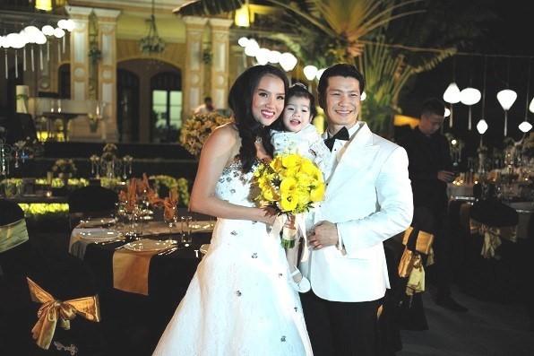 Dustin Nguyễn, Bebe Phạm , Angela, trúng số, Bao giờ có yêu nhau