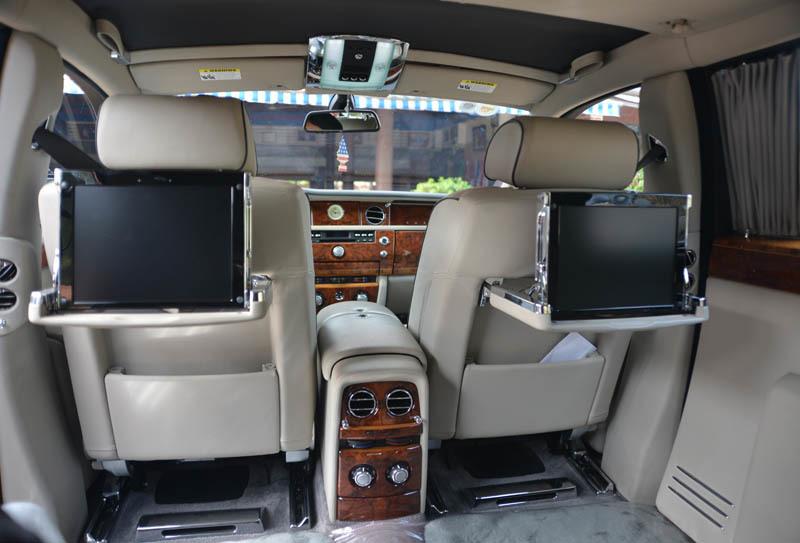 đại gia lê ân, giường của đại gia lê ân, xe Rolls Royce