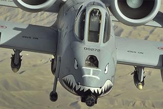 Xem lợn lòi A-10 phóng bom diệt gọn chiến binh Taliban