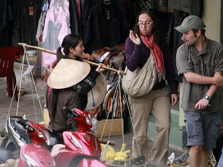 Tâm sự của người bị 'chặt chém' nhiều như cơm bữa khi du lịch ở Việt Nam