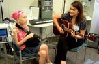 Âm nhạc: Liều thuốc giảm đau tự nhiên
