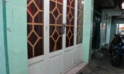 Trông nhà giùm bạn gái, nam thanh niên bị đâm chết giữa Sài Gòn