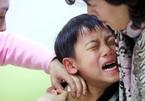 Phụ huynh Hàn Quốc đưa con đi tiêm thuốc thông minh