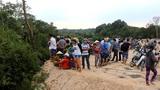 Bình Dương: Đang khai quật ngôi mộ bất thường giữa rừng tràm