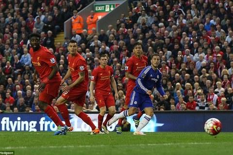 Chiêm ngưỡng tuyệt phẩm solo ghi bàn của Hazard