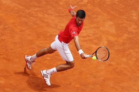 Novak Djokovic 2-0 Stephane Robert