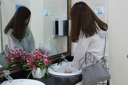 Cận cảnh nhà vệ sinh 5 sao miễn phí tại Đà Nẵng