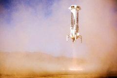 Trải nghiệm đặc biệt khi trở về Trái đất bằng tên lửa