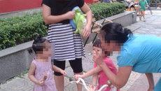 Mẹ Việt ở chung cư cao cấp từ mặt nhau vì đồ chơi con