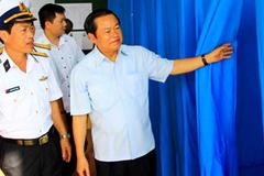 Ông Đỗ Bá Tỵ kiểm tra công tác bầu cử ở huyện Trường Sa