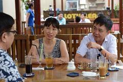 Việt kiều kể chuyện về thăm đảo