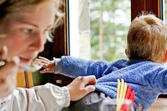 12 bí quyết hữu ích nhất cha mẹ cần nhớ để bảo vệ con