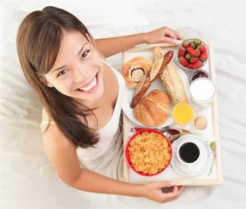 11 sai lầm tai hại trong ăn uống ai cũng phải tránh xa