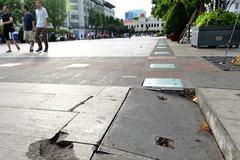 Phố đi bộ Nguyễn Huệ dừng hoạt động để sửa chữa