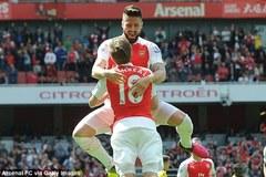"""Giroud """"nổi loạn"""", Arsenal bất ngờ về đích top 2"""