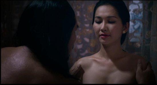 Cận cảnh món đồ mỹ nhân Việt dùng khi đóng cảnh nóng