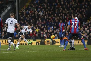 Top 10 bàn thắng đẹp nhất Ngoại hạng Anh 2015/16