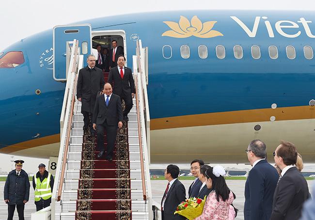 Thủ tướng tới Moscow, bắt đầu thăm chính thức LB Nga