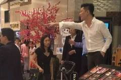 Chủ nhà hàng Nhật hút thuốc, chửi khách gây bức xúc