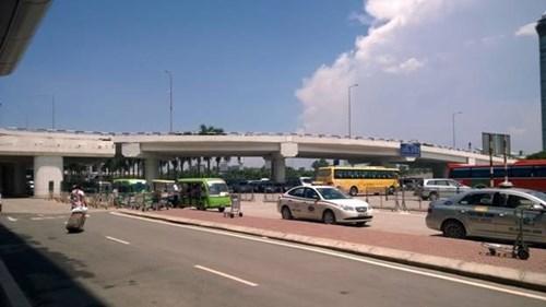 Xe điện sân bay Nội Bài: Thu 50 nghìn, phạt 8 triệu đồng
