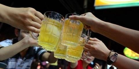 Nghệ An cấm học sinh dùng rượu bia liên hoan cuối năm