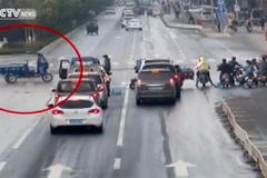 'Xe ma' quay cuồng trên phố khiến người dân hoảng loạn