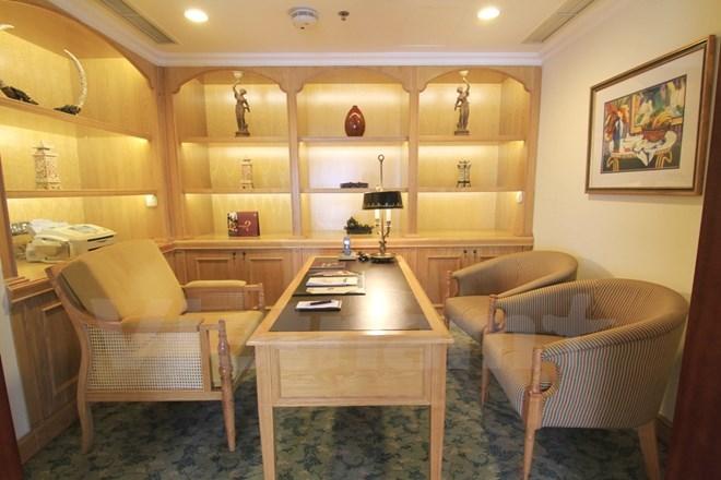 Bên trong phòng tổng thống của 5 khách sạn sang nhất HN - Ảnh 11.