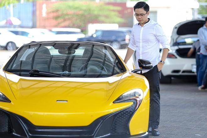 Bạn trai thiếu gia của Midu tậu siêu xe triệu đô