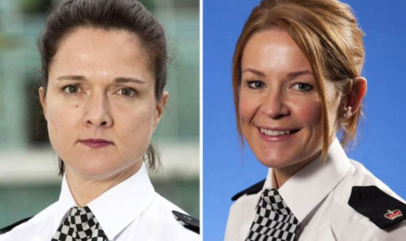 Nữ cảnh sát bị đình chỉ vì đọ ngực với đồng sự