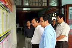 Bí thư Xuân Anh kiểm tra 3 tổ bầu cử