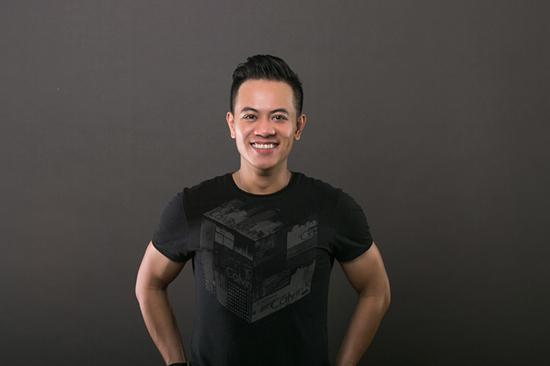 DJ Hoàng Anh, Tài năng DJ, thảm hoạ, ném đá, DJ