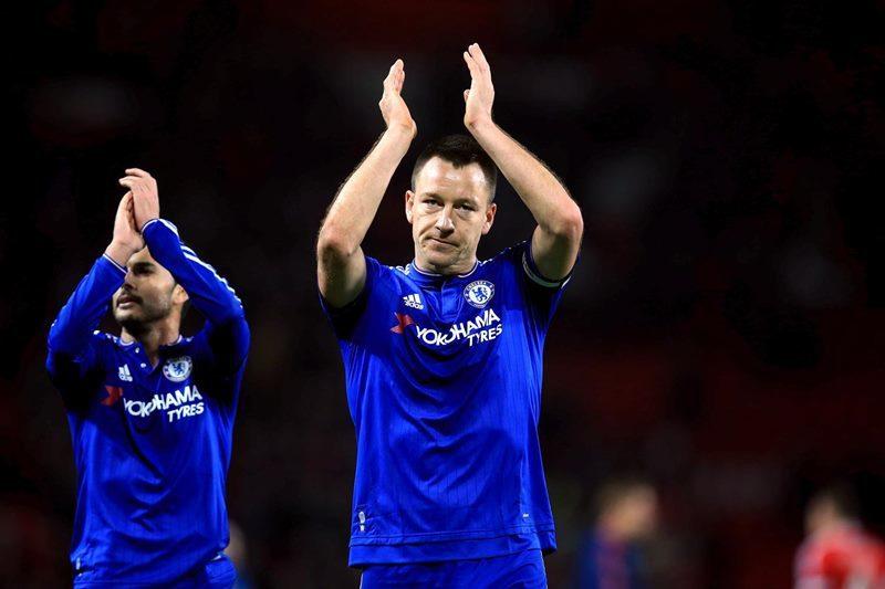 Vì sao Terry cắt giảm 2/3 lương để ở lại Chelsea?