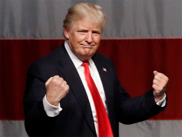 Dân Mỹ bất ngờ 'yêu' Trump hơn Hillary
