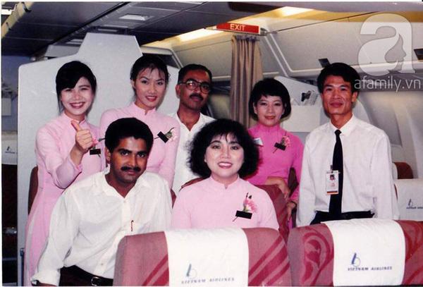 Nữ đoàn trưởng tiếp viên tiết lộ: Tiếp viên hàng không là nghề bạc bẽo