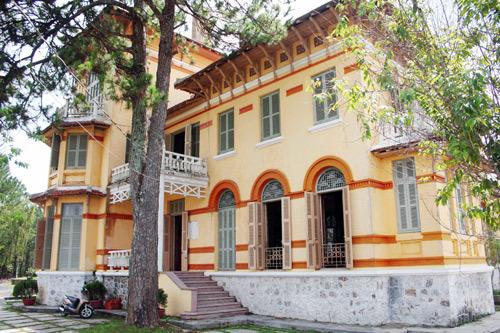 Vẻ đẹp độc đáo của dinh thự Nam Phương hoàng hậu