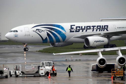 Hải quân Ai Cập tìm thấy mảnh vỡ máy bay MS804