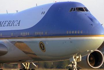 Miễn kiểm tra an ninh chuyên cơ của Tổng thống Obama