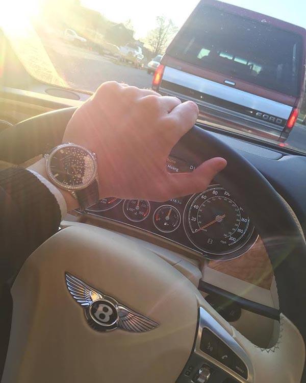 Midu, người tình của Midu, phan thành, Phan Hoàng, cuộc sống xa hoa, người yêu cũ Midu, sở hữu siêu xe, Bentley Continental GT V8 S,