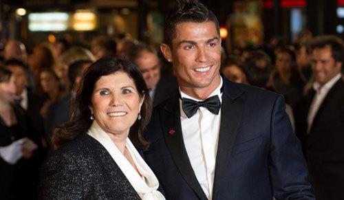 Đằng sau việc thích ăn chuối của Ronaldo