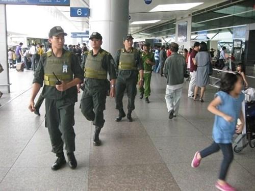 Obama sang Việt Nam, sân bay bị giám sát thế nào?