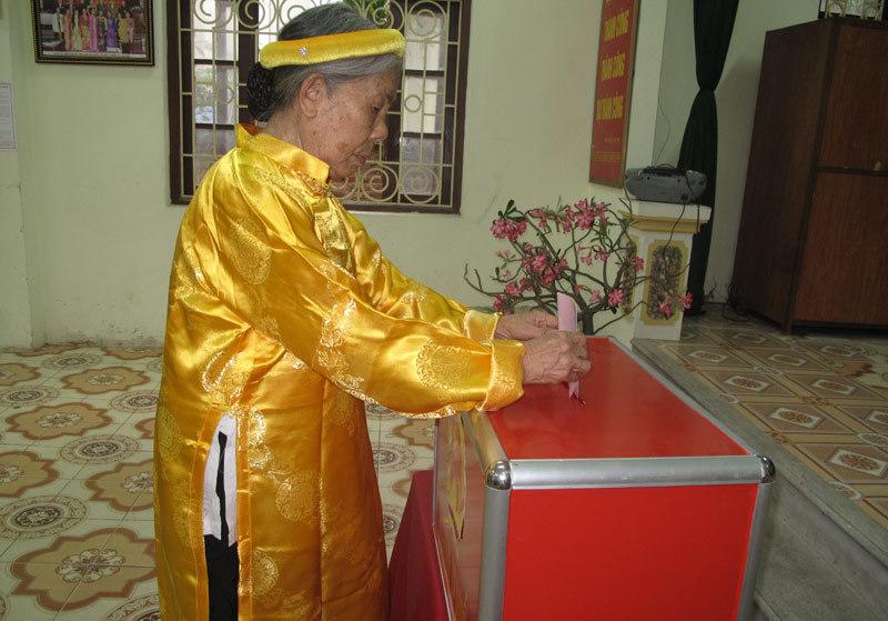 Bầu cử ở thôn có nhiều người cao tuổi nhất Thủ đô