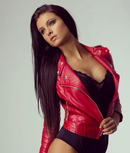 Body siêu chuẩn của nữ VĐV mê Ibrahimovic