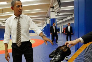 Tổng thống Mỹ đi giày gì?