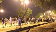 Nửa đêm dân Hà Nội đổ ra đường ngóng Obama