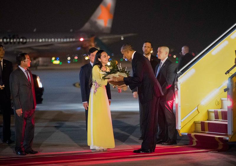 tổng thống Obama thăm VN, quan hệ Việt-Mỹ, sân bay Nội bài, tổng thống Clinton, bình thường hóa quan hệ