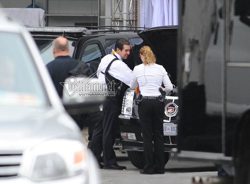 Nữ tài xế lái Cadillac One cho Tổng thống Obama ở HN