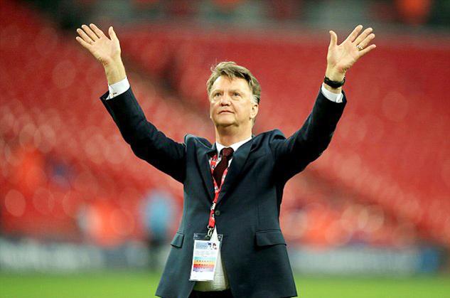 Man Utd sa thải HLV Van Gaal