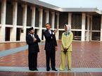 Obama đi chân đất thăm chùa cổ