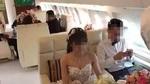 Chú rể con nhà giàu rước dâu bằng máy bay riêng gây sốt